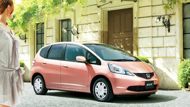 Honda-Fit-Shes-ext