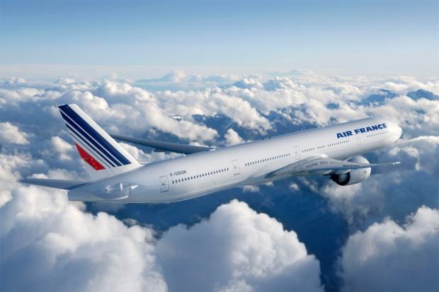 06005122-photo-boeing-777-300-air-france